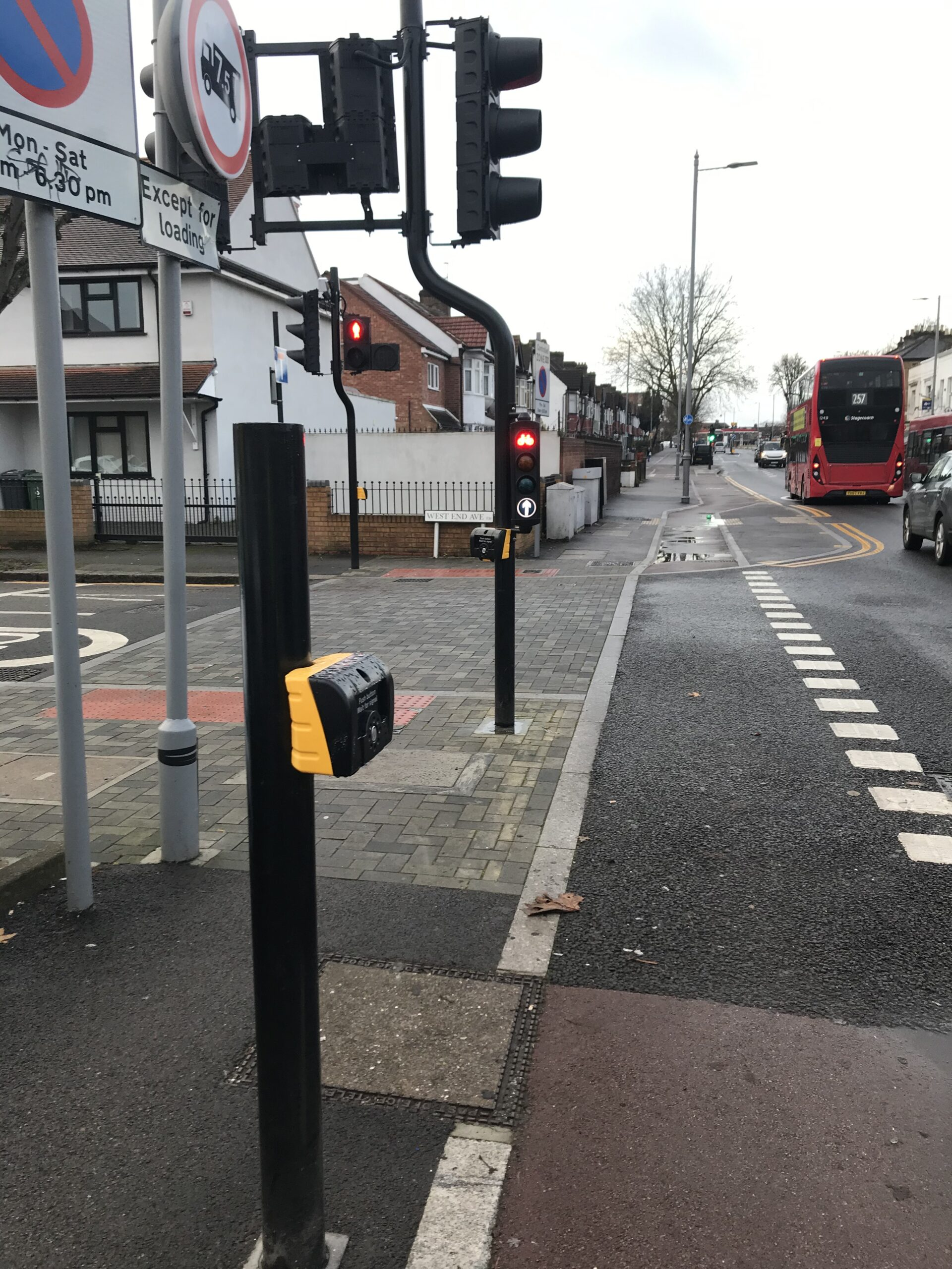 junction with Eastern Avenue - cyclists' button