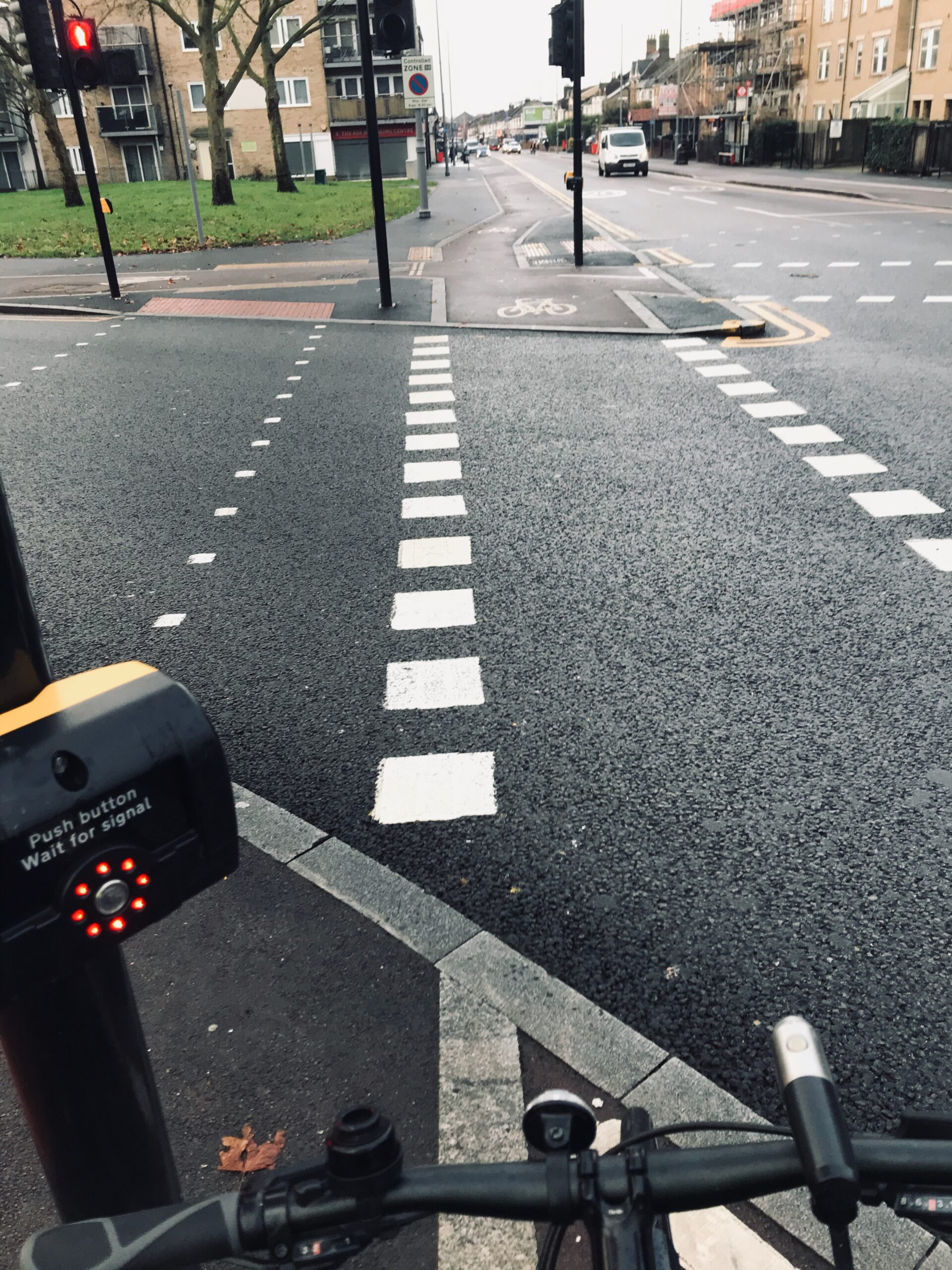 Leyton green road junction - cyclists' light